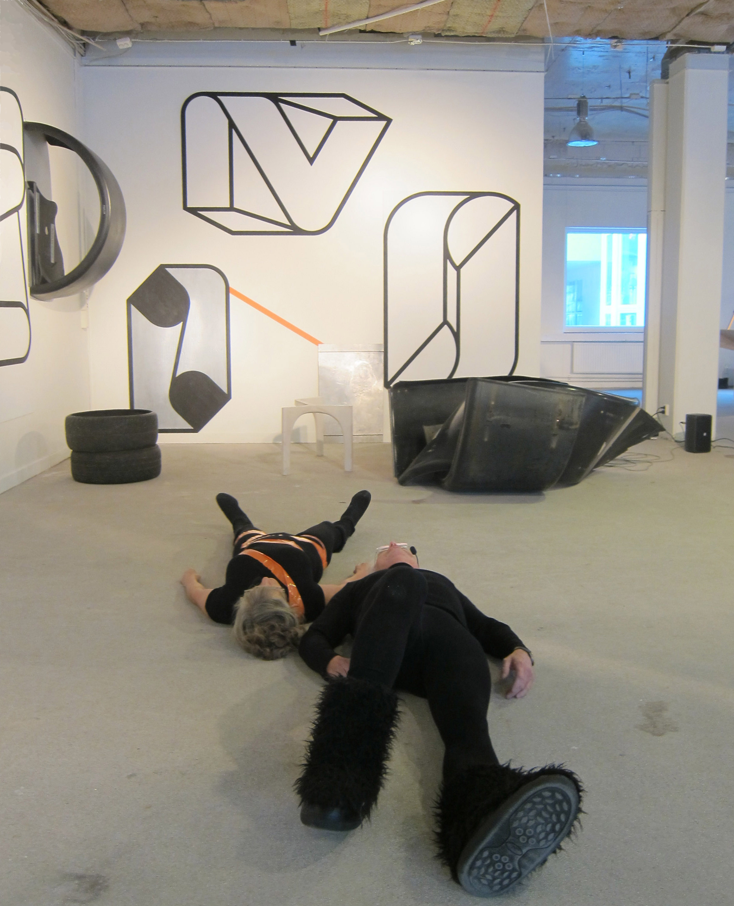 Performance in the exhibition UnTied Notions 2012