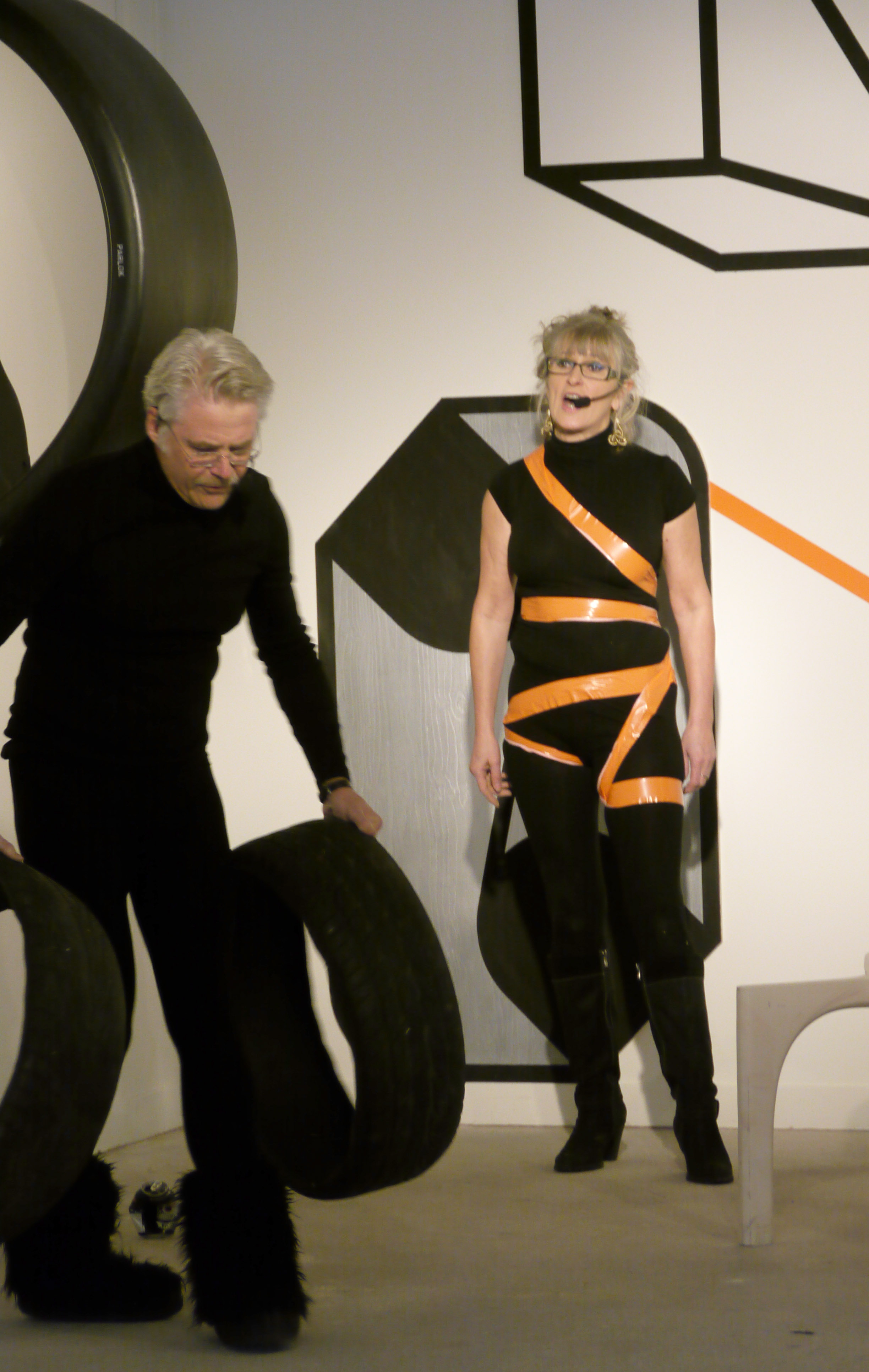 Lill Marit Bugge och Örjan Wallert performance på UnTied Notions, 2012
